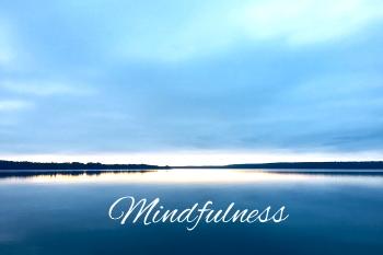 Tuo elämääsi tasapainoa, rauhaa ja lempeyttä mindfulnessin avulla.